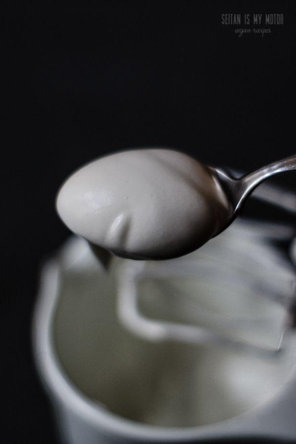 Vegan Marshmallow Fluff #veganmarshmallows vegan marshmallow fluff #veganmarshmallows