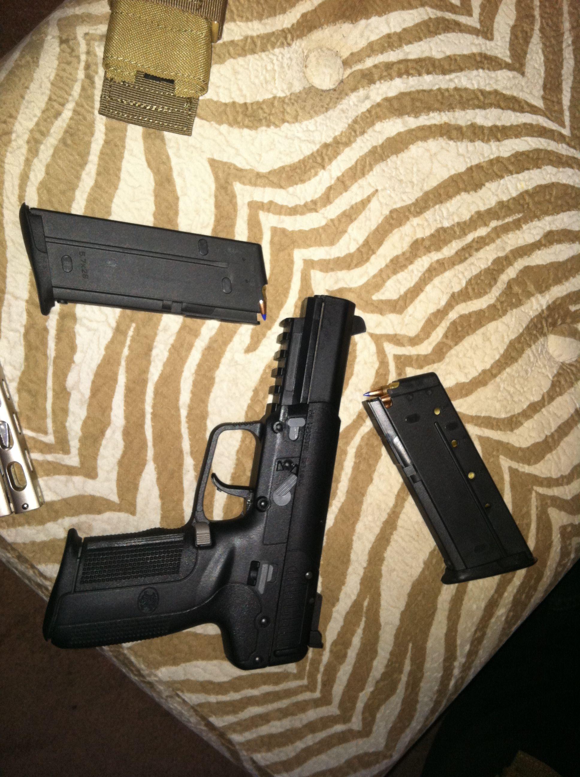 Five-seven sicc ass gun