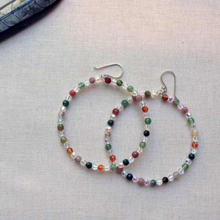 How to Make Beaded Memory Wire Hoop Earrings: Free Tutorial ...