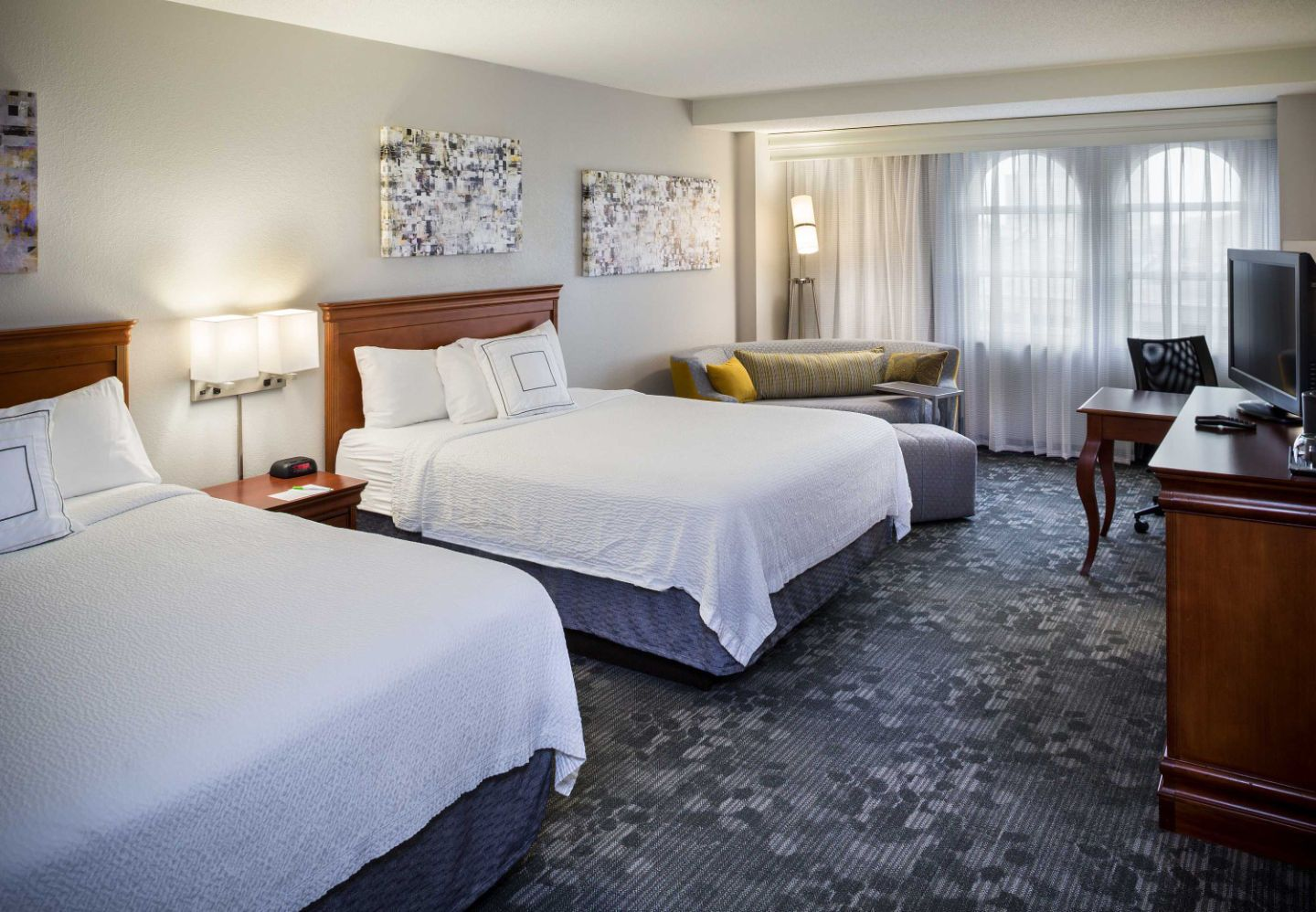 Stay With Us In Norfolk Va Photo Credit Courtyard Norfolk Downtown