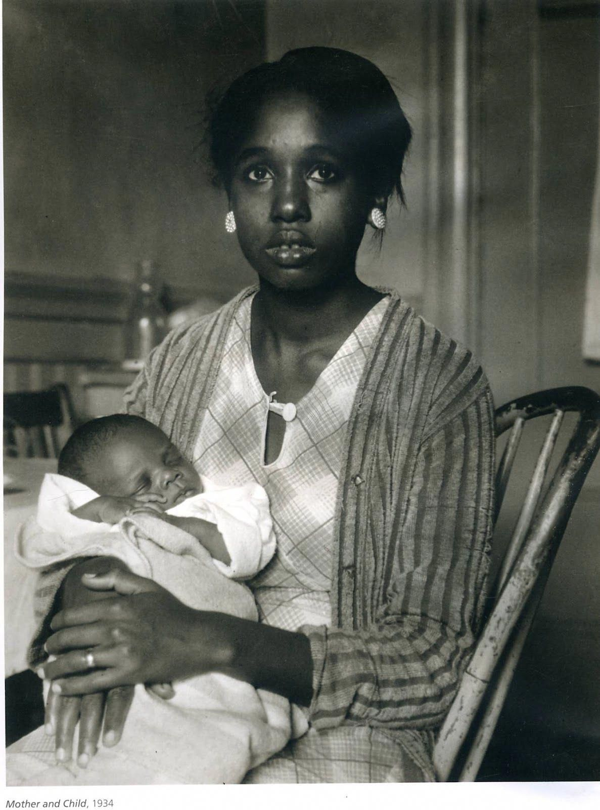 Life In Photographs By Dorothea Lange From The 1920s To The 1950s Vintagephotograhs Dorothea Lange Photography African American Mothers Dorothea Lange