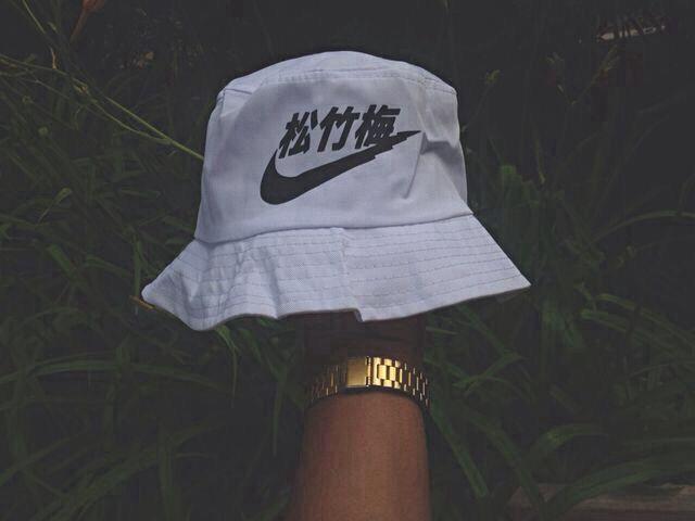 ae09f758697b Chinese Nike Bucket Hat