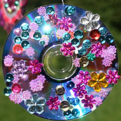 25 Brilliant Recycled CD Kid Crafts