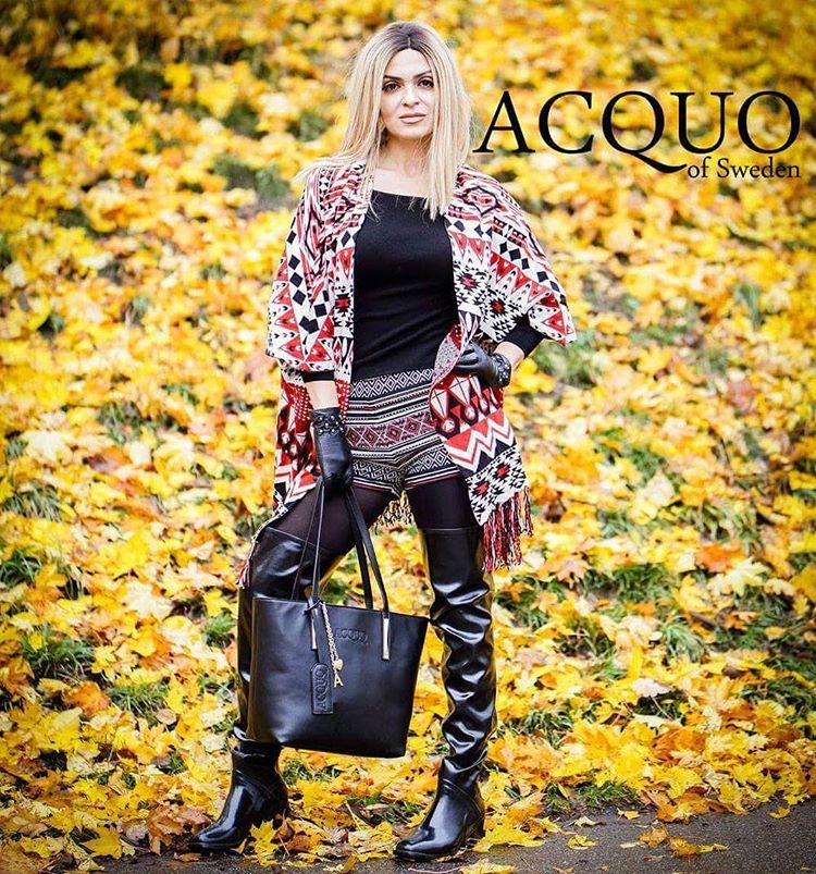 Stunning Rubber Boots And Fashion Handbag Www Acquoofsweden Com