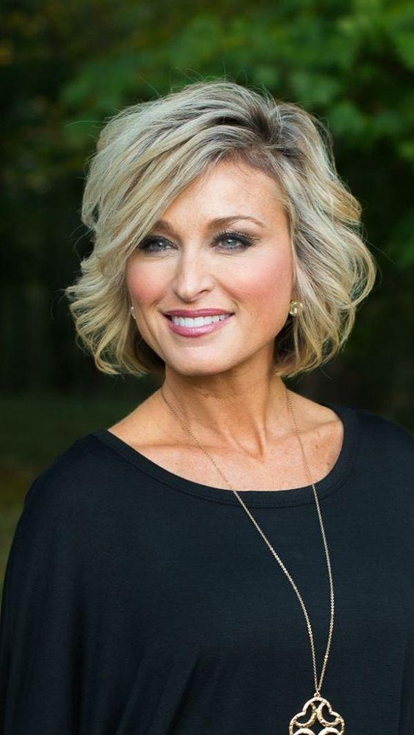 57 Medium Hairstyles For Women Over 50 In 2020 Short Hair Styles Easy Wavy Hairstyles Medium Hair Lengths