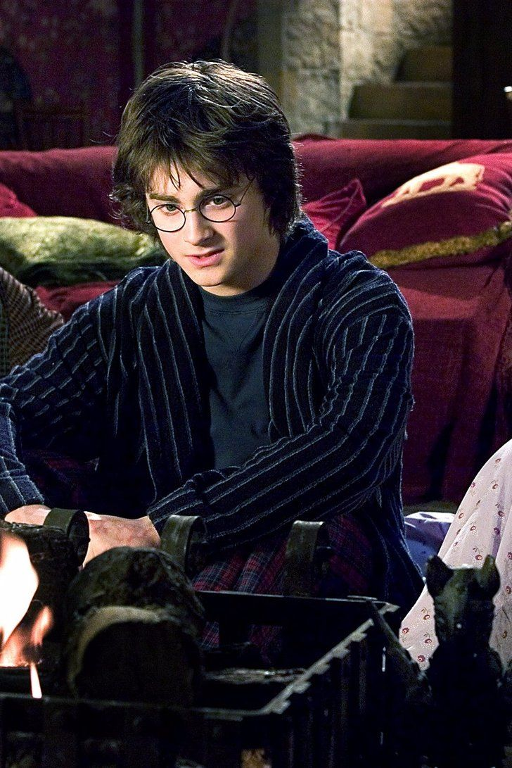 Ever Wonder How Wizards Used The Bathroom In Harry Potter J K Rowling Has The Answer Harry Potter Goblet Daniel Radcliffe Harry Potter Harry Potter Netflix