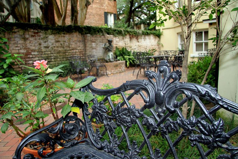 An Exceptional Example Of A Private Quot Savannah Quot Garden