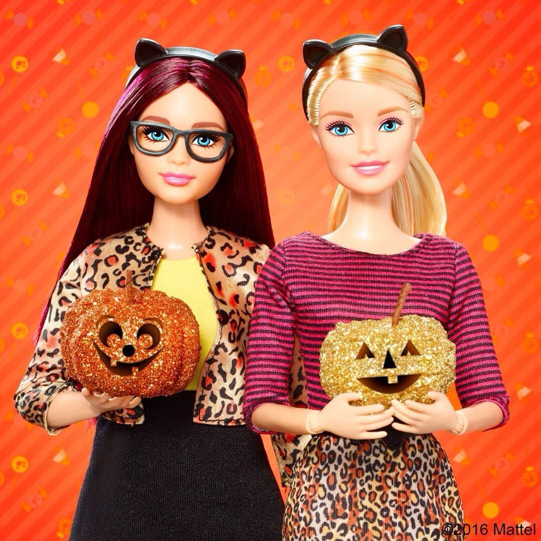 "22.7 mil Me gusta, 118 comentarios - Barbie (@barbie) en Instagram: ""Celebrate #Halloween and express your creativity by carving pumpkins! Click the link in our bio…"""