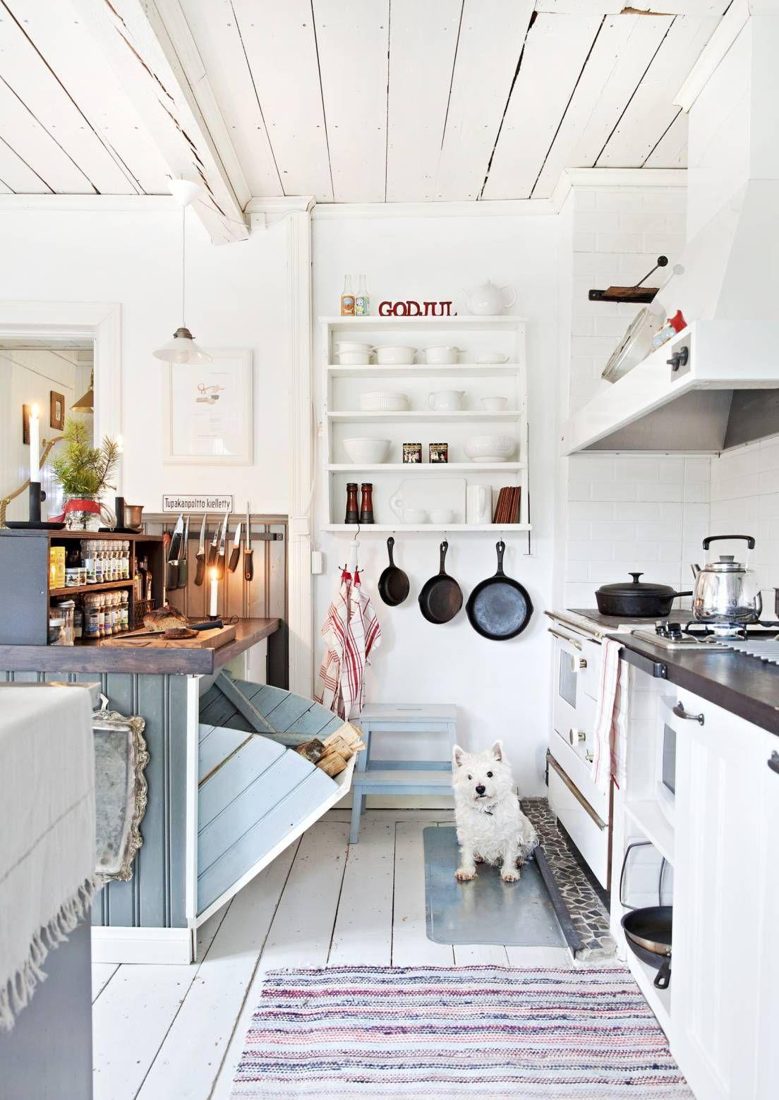 Ideen für die küche mitä maalaisromanttiseen keittiöön kuuluu peiliovinen kaapisto