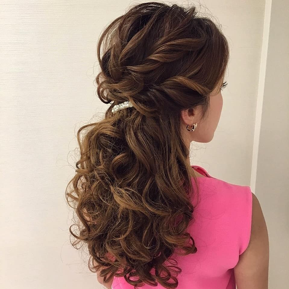 Soft Romantic Curls In A Half Up Style: Beautiful Half Down Half Up Braided Hairstyle With Curls