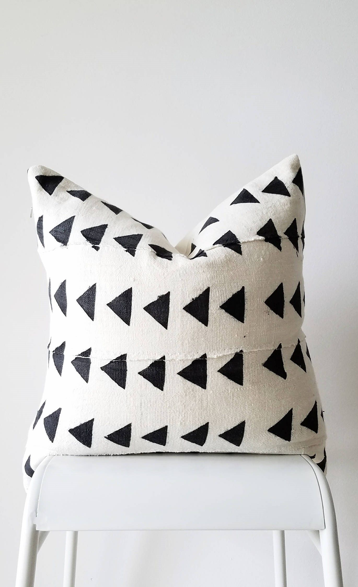 Authentic Mudcloth Pillow, Mali Bogolan, Off Whitecream, Black, Triangles