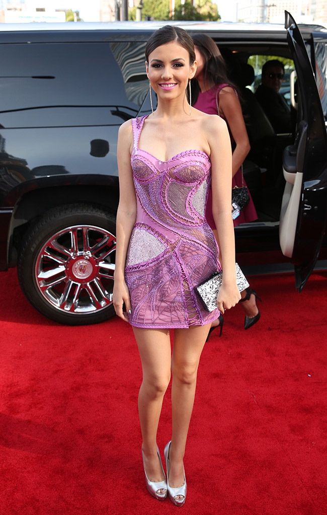 2014 MTV Movie Awards Red Carpet Style is part of Victoria justice - See a roundup of red carpet style from the 2014 MTV Movie Awards featuring stars like Nicki Minaj, Shailene Woodley, Bella Thorne and more