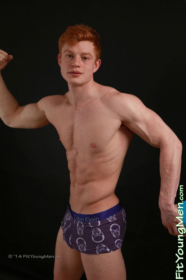 Young redhead musculature amateur