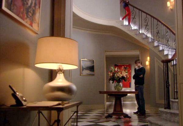 Gossip Tv Show Sets Blair S Foyer 2