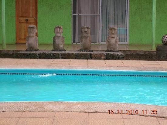 hotel manutara eastern island