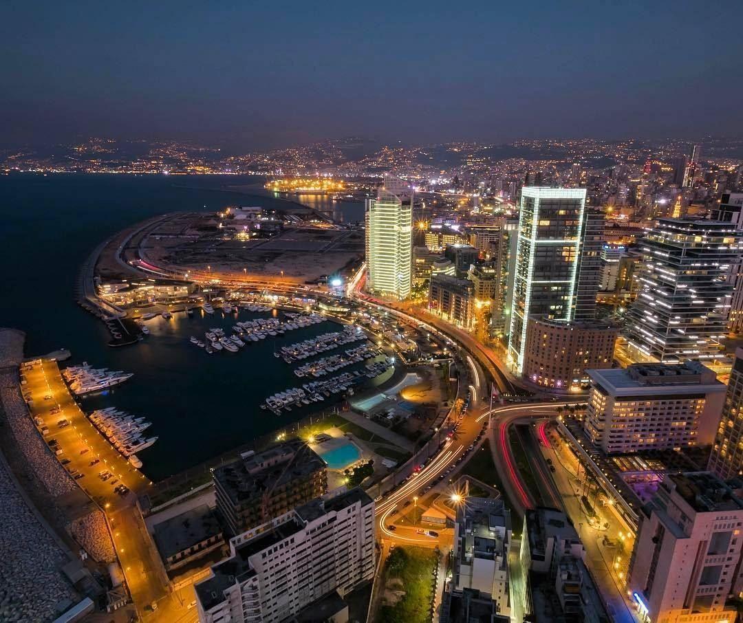 افضل فنادق بيروت تعتبر بيروت واحدة من أهم المدن السياحية في الوطن العربي بسبب كثرة المعالم السياحية و طلتها الساحرة على البحر ال Landmarks Travel Times Square