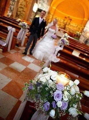 Idee per decorare la chiesa con fiori