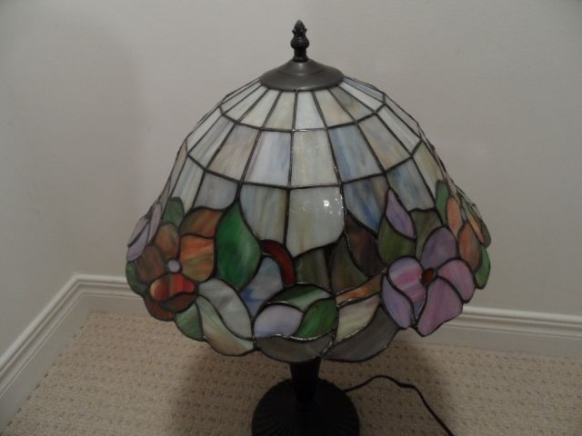 Stained glass tiffany type lamp shade only 8h x 15 in dia stained glass tiffany type lamp shade only 8h x 15 in mozeypictures Images