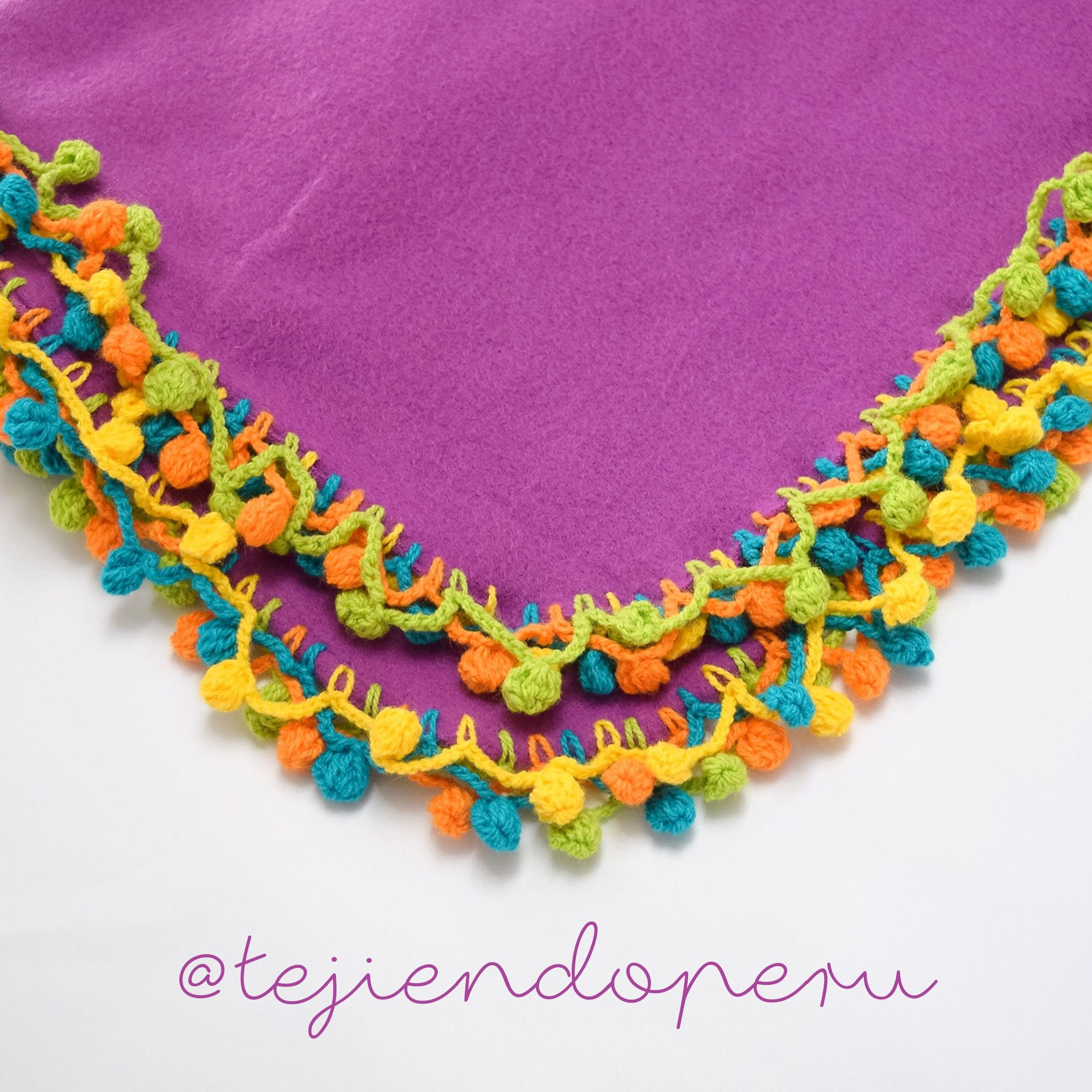 Borde de pompones para colchas de beb s tejido a crochet - Aplicaciones de crochet para colchas ...