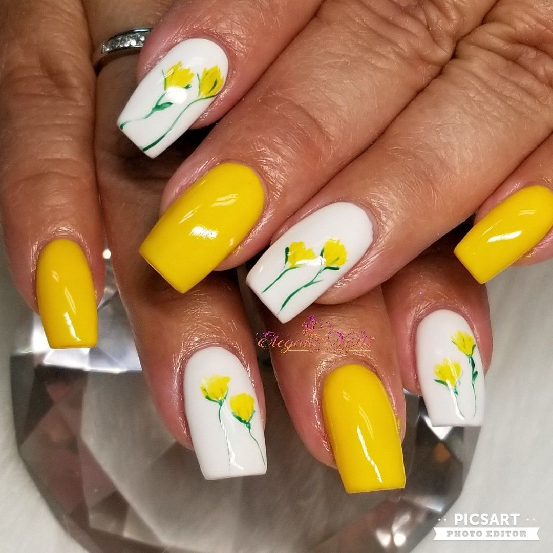 Yellow Nails Yellow Flowers Nail Art Square Nails Sculpted Nails Romantic Nails Spring Nail Colors Yellow Nails