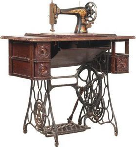 How To Restore The Wooden Desk Of A Vintage Singer Sewing Machine