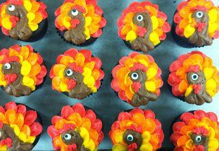 Lola Pearl Bake Shoppe: Gobble Gobble // Turkey Cupcakes
