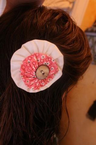 DIY Yo-yo Flower Hair Clips