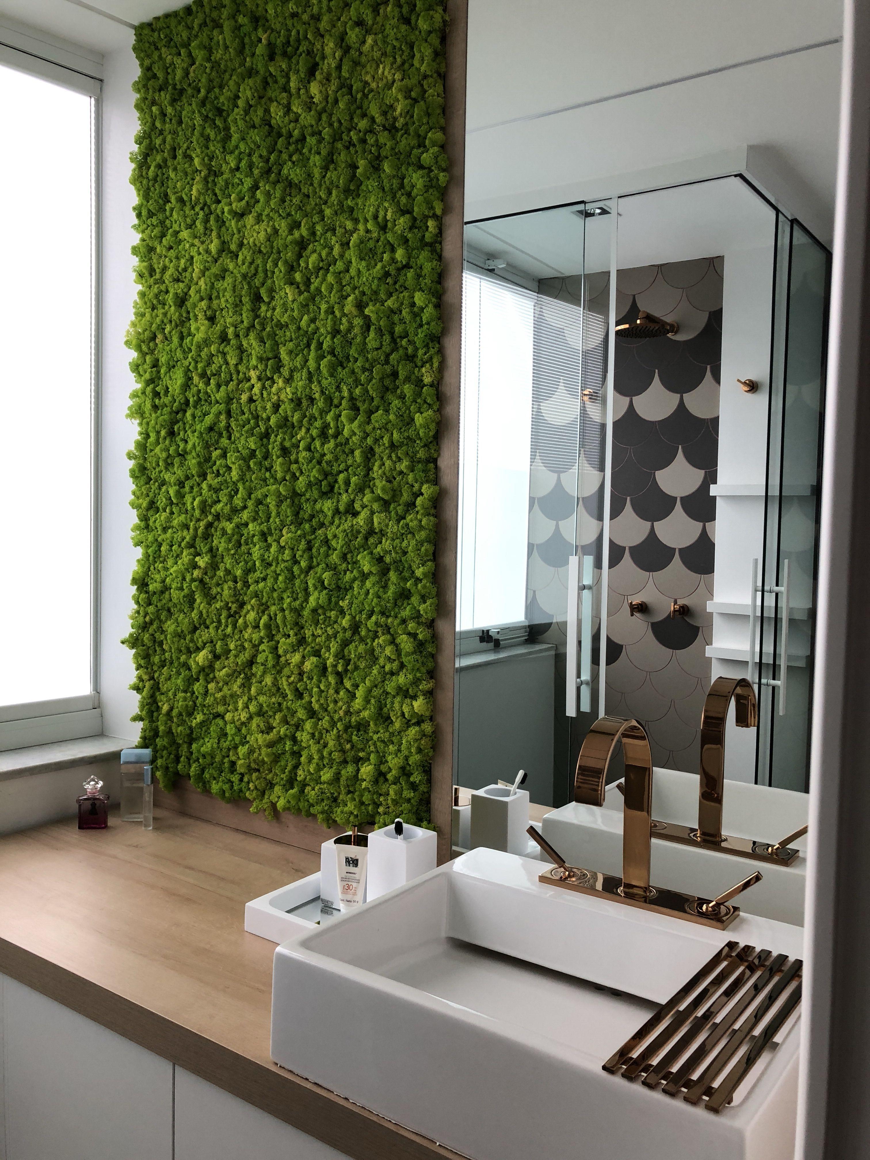 Banheiro Com Parede Revestida Por Moss Wall Proje In 2020 Wohnen Badezimmer Zimmer
