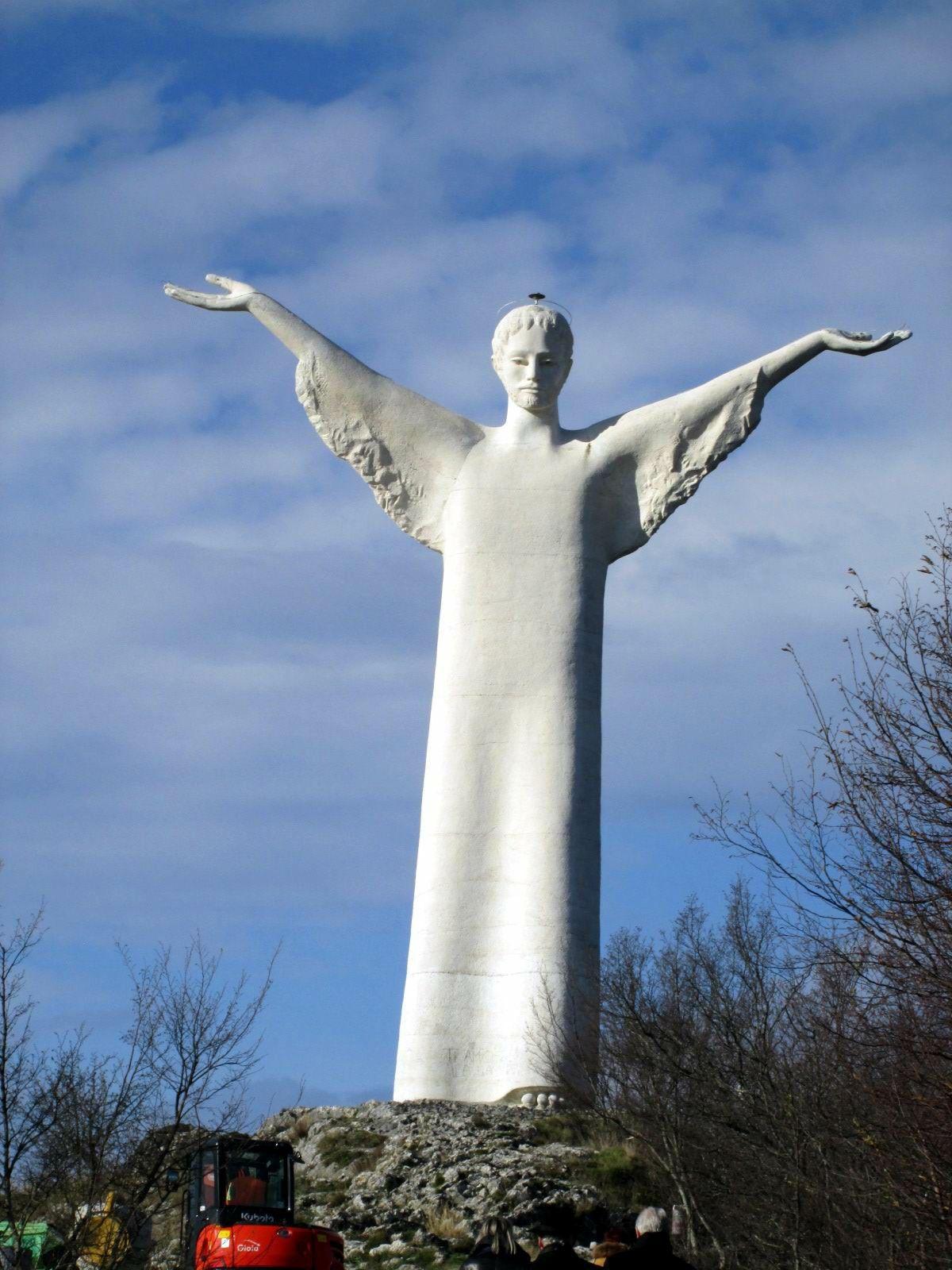 Statua del Cristo Redentore di Maratea - Basilicata | Statue, Cristo  redentore, Cristo