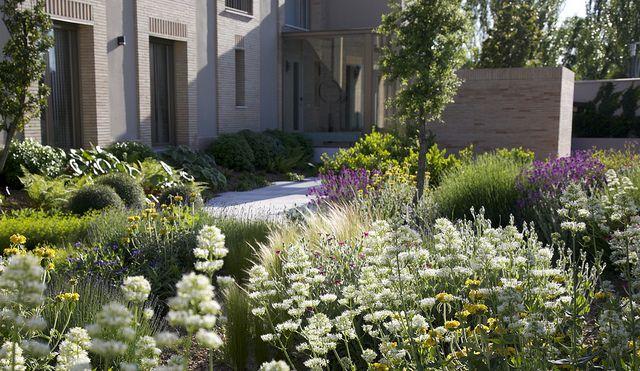Jardin En El Montecillo Madrid Mayo 2011 Landscape Design Garden Landscape Design Beautiful Gardens