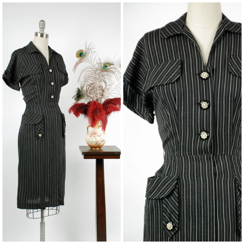 Jahrgang 1950-Kleid auffällig Kohle und weißen Nadelstreifen ...