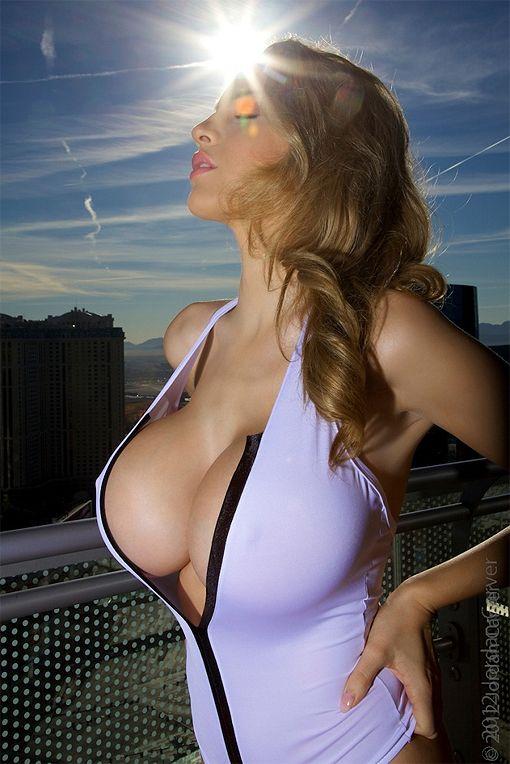 womeen-spanish-hot-girls-breast-magazine-naked-kardashian