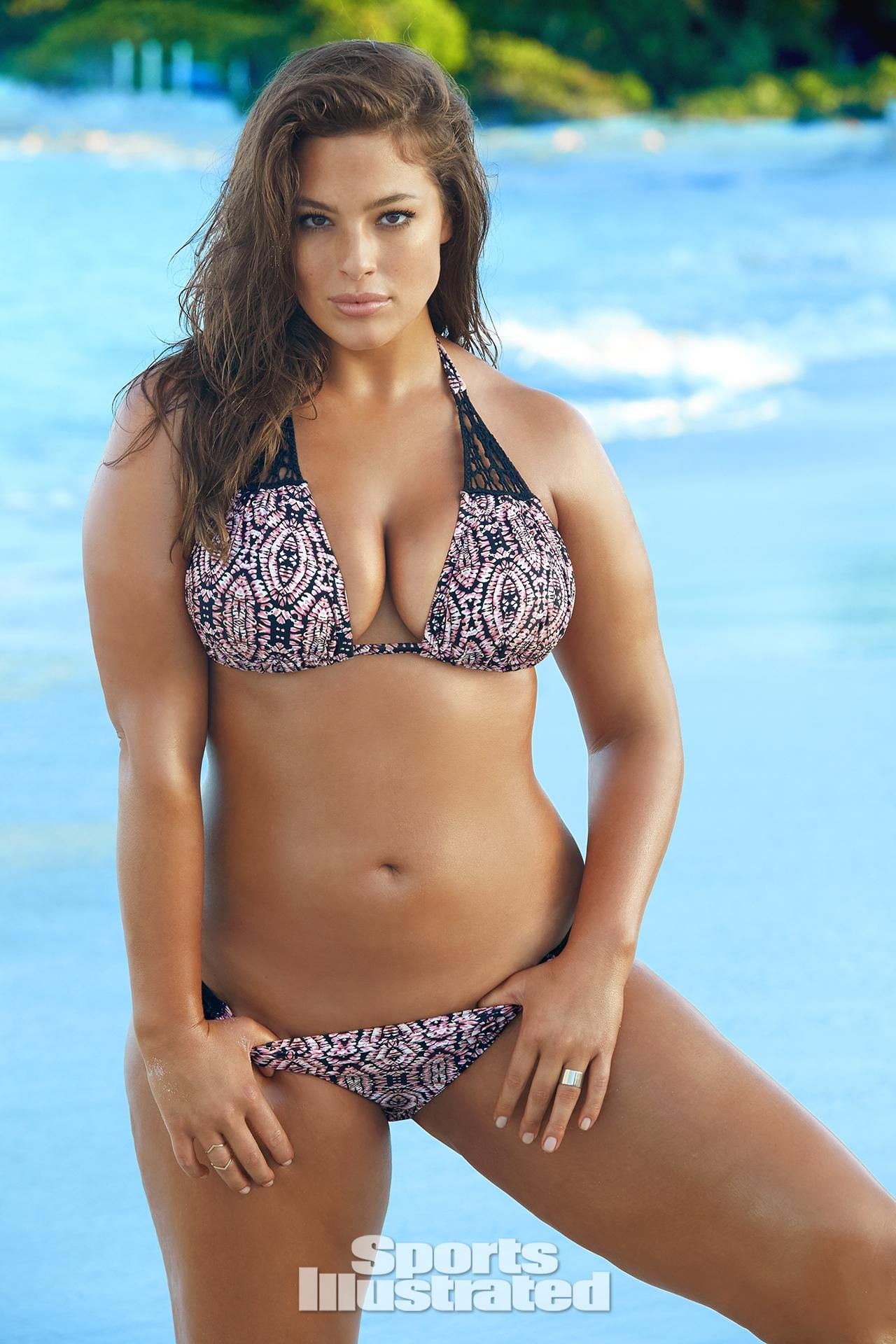 1f93ef587 Ashley Graham reflects on her first SI Swimsuit shoot