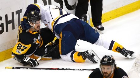 Crosby's brilliant night overshadowed by Subban tussle water bottle toss