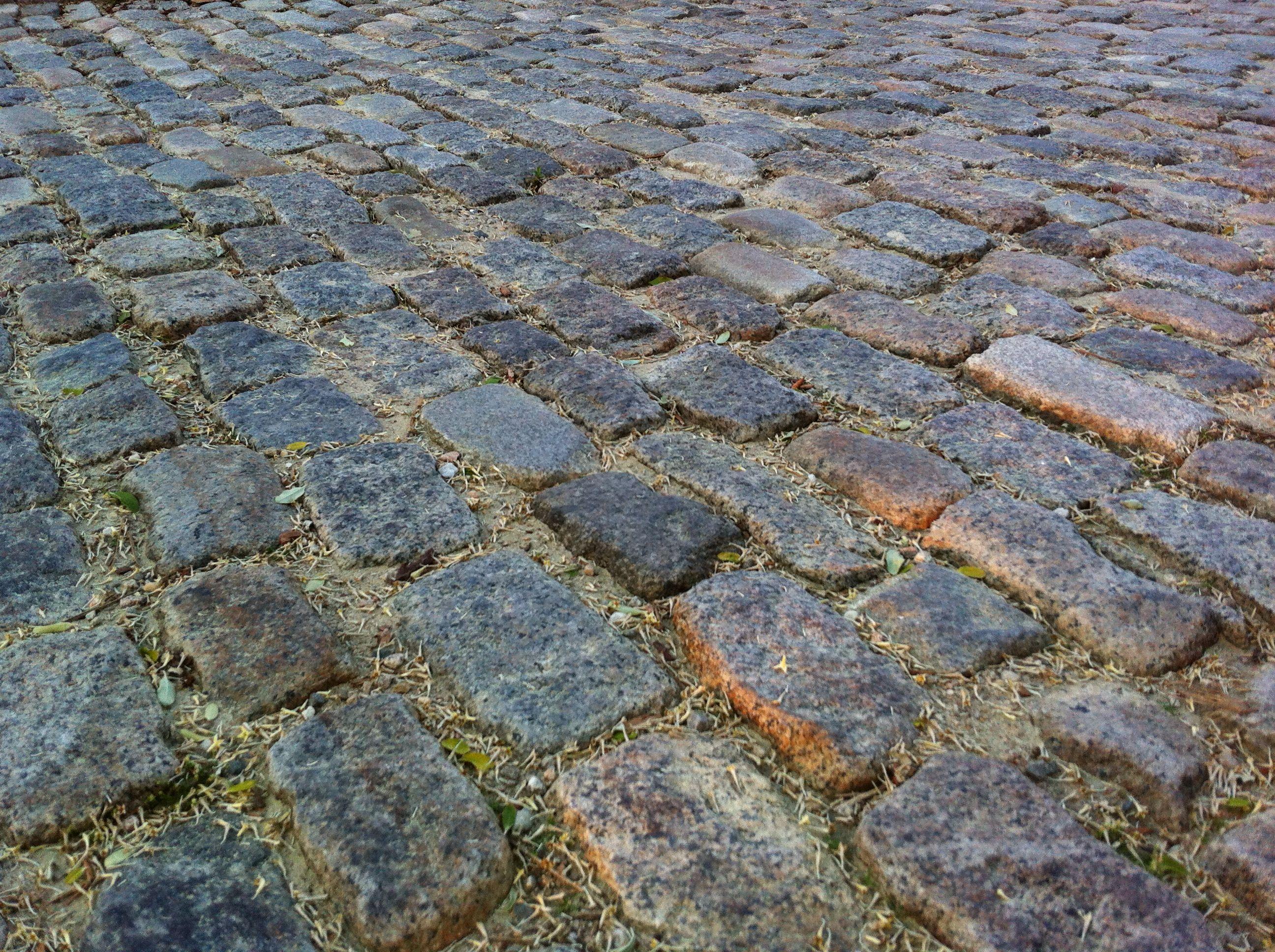 cape cod cobblestone drive