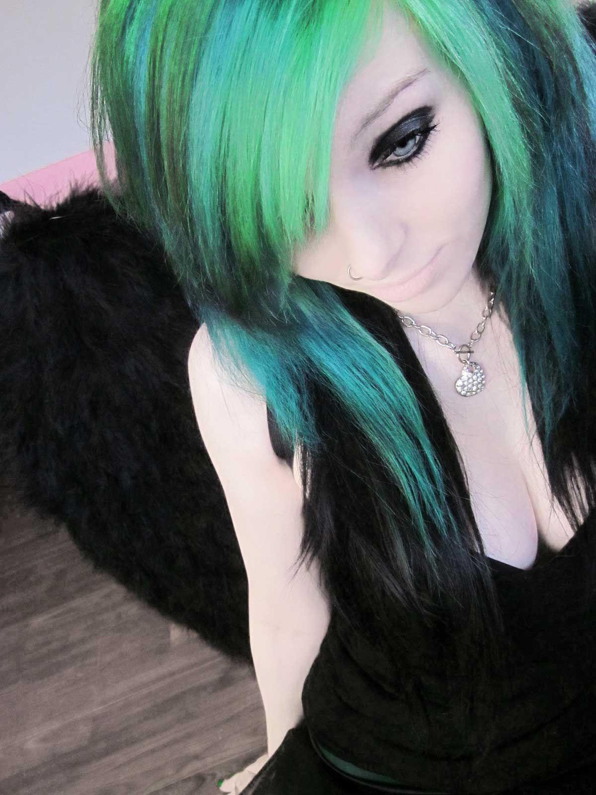 Dark green hair tumblr hairpurplebluepinkgreenredblack