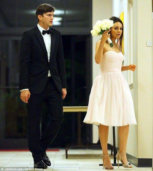 Mila Kunis I Eshton Katcher Svadba Wedding Dresses Unique Celebrity Weddings Wedding Articles