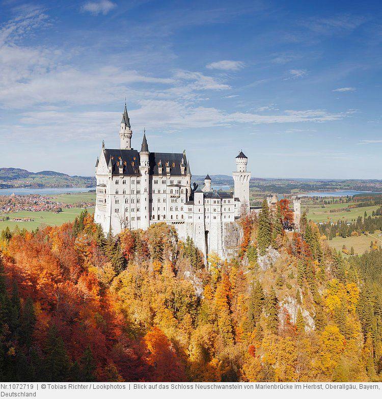 Blick Auf Das Schloss Neuschwanstein Von Marienbrucke Im Herbst Oberallgau Bayern Deutschland Schloss Neuschwanstein Neuschwanstein Bilder