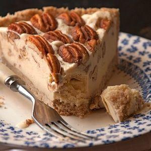 Pecan Pie Ice Cream Pie full recipe at http://recipehub.net/pecan-pie-ice-cream-pie/