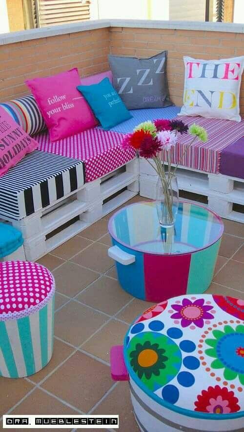 Palets y cojines para crear un rinc n muy colorido - Tapiceria y decoracion ...