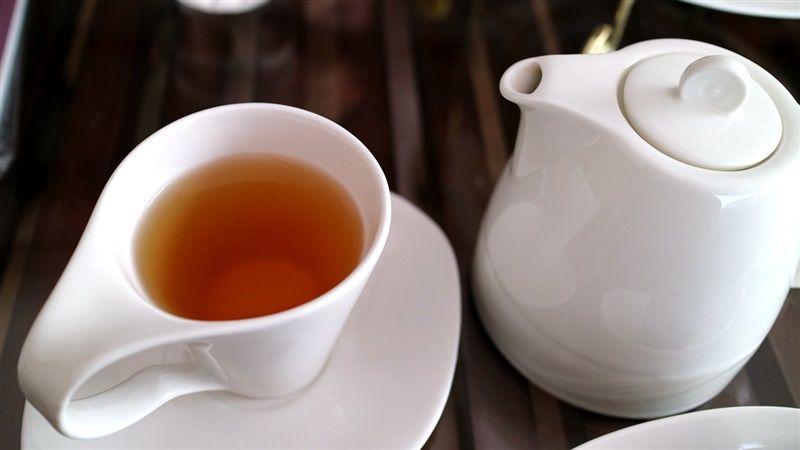 Pij zieloną herbatę i chudnij