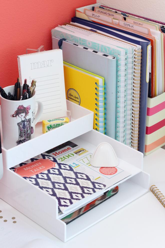 How To Maintain An Organized Desk Desk Organization Office