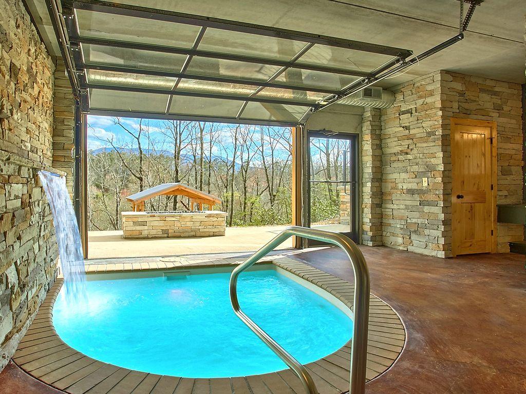 1 Bedroom 2 Baths Sleeps 2 362 Avg Night Gatlinburg Amenities Include Internet Air Condi Gatlinburg Cabin Rentals Indoor Pool Smoky Mountains Cabins