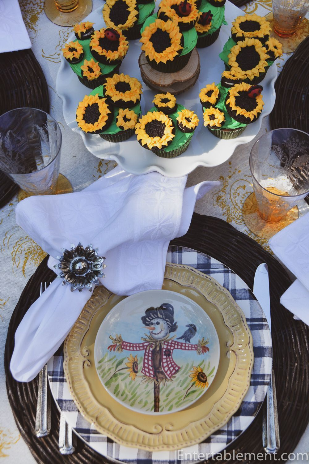 Sunflowers, Scarecrows and Sunflower Cupcakes celebrate the end of summer #tablesetting #tablescape #sunflowers #Maxcera #summer #sunflowercupcakes Sunflowers, Scarecrows and Sunflower Cupcakes celebrate the end of summer #tablesetting #tablescape #sunflowers #Maxcera #summer #sunflowercupcakes Sunflowers, Scarecrows and Sunflower Cupcakes celebrate the end of summer #tablesetting #tablescape #sunflowers #Maxcera #summer #sunflowercupcakes Sunflowers, Scarecrows and Sunflower Cupcakes celebrate #sunflowercupcakes