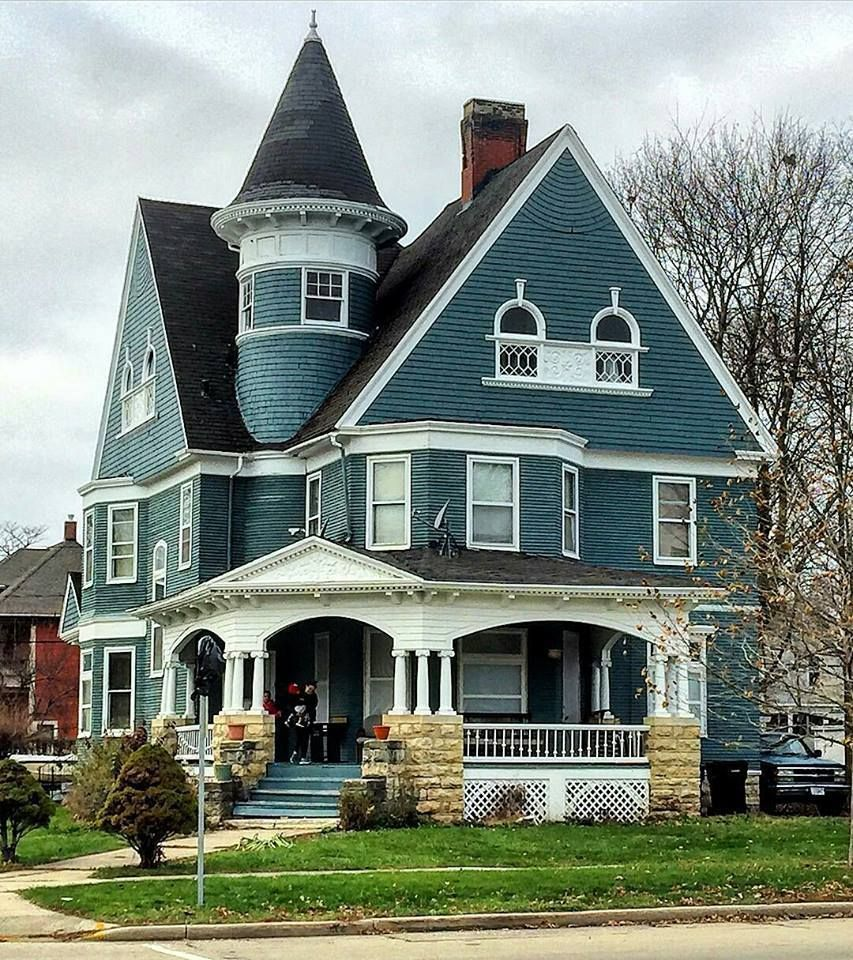 Victorian Houses Housesvictorian Twitter Victorianarchitecture Victorian Homes Victorian House Colors Victorian Style Homes