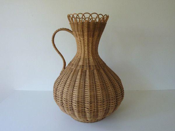 Amphore Rotin Rotin Fleurs Fraiches Et Vase