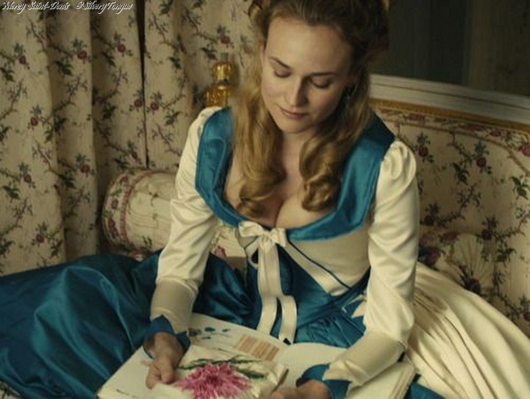 Diane Kruger as Marie Antoinette in Farewell, My Queen (2012). | Marie  antoinette, Redingote, Reine
