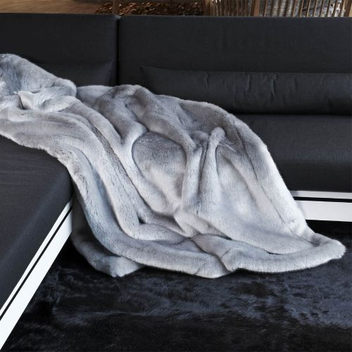Phoque Platine Plaid En Fausse Fourrure In 2020 Cozy Aesthetic Fur Blanket Blanket