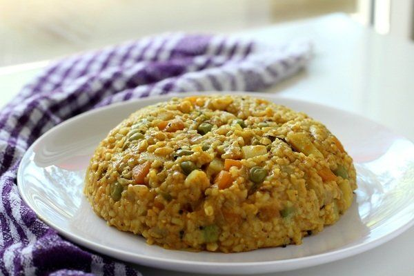Masala Fada Khichdi Recipe (Broken Wheat Khichdi) - A tasty healthy khichdi recipe with fada (broken wheat), onion, potato, carrot & green peas.