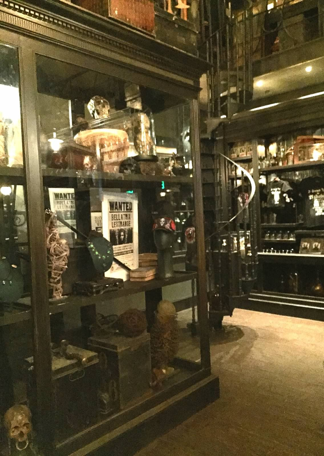 Borgin And Burkes In Knockturn Alley Harry Potter Decor Harry Potter Diagon Alley Harry Potter Places